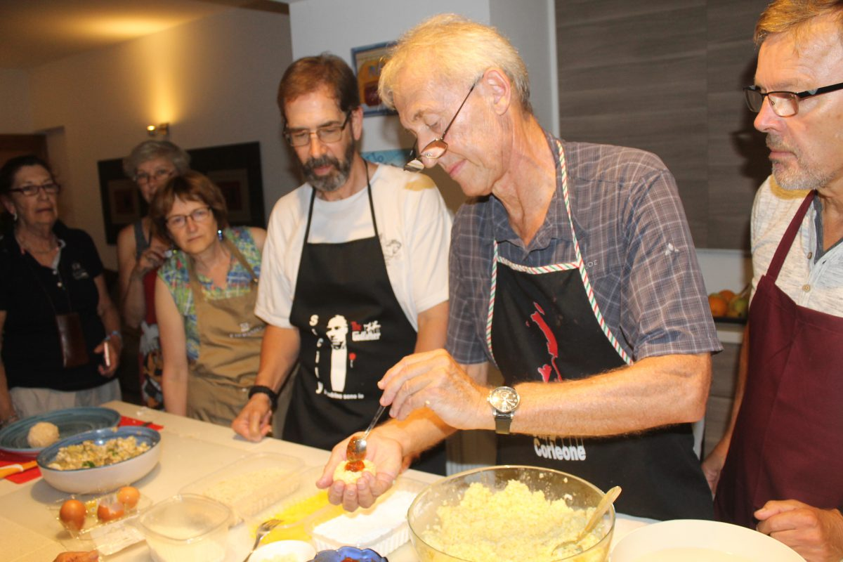 "Cooking class - Club over 50 in Italy program ""The Island of the Sun"" Learn Italian in Italy over 50: cultural vacations, cultural holidays."